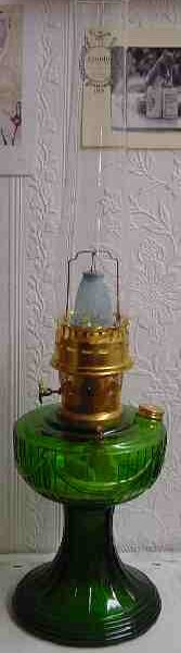 Aladdin Green SLD Oil Lamp with Brass Hardware-8884